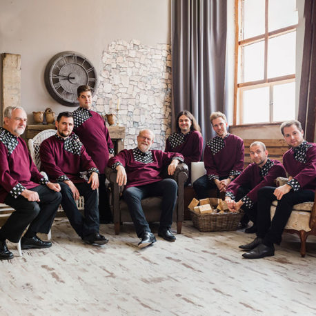 Saint Ephraim Male Choir & Beata Palya  – Hongrie